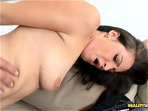 red-hot momma Jenni Robinson gags on ultra-kinky lads phat wood