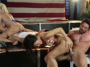 Asa Akira and Bridgette B give a sensational show