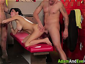 Veronica Avluv double torn up in the locker apartment