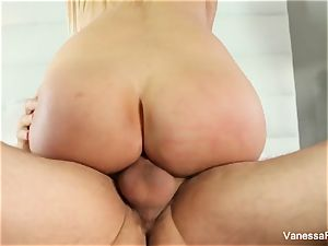blond hotty Vanessa cell gets down