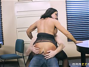 40-year-old secretary Simone Garza entices her youthful boss Danny D