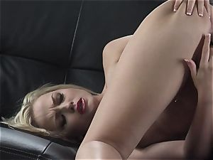 Alexis Texas loves thumping her thumbs in and out of her slimy cunt