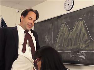 horny student Luna starlet tempts her teacher