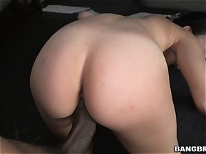 Vivianna Mulino plunged by a massive man-meat