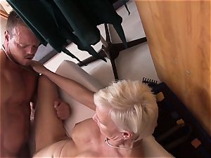 Reife Swinger - German three way with mature swingers