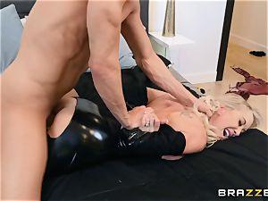 Brandi love penetrated in her moist poon