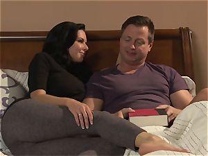 cougar Veronica Avluv screws her ultra-kinky husband