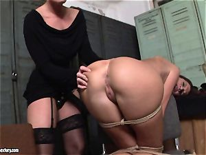 Kathia Nobili lets a steaming gal suck her cord on