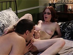 timid waitress Penny Pax humps her wish client
