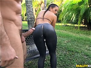 Abigail Mac plowed in her cock-squeezing vag