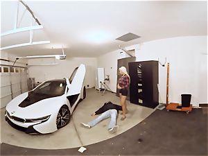 VR PORN-Hot milf bang The Car Theif